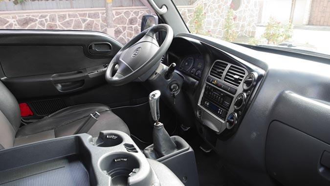 Kia Refrigerado 1.5T Diesel 2009 interior